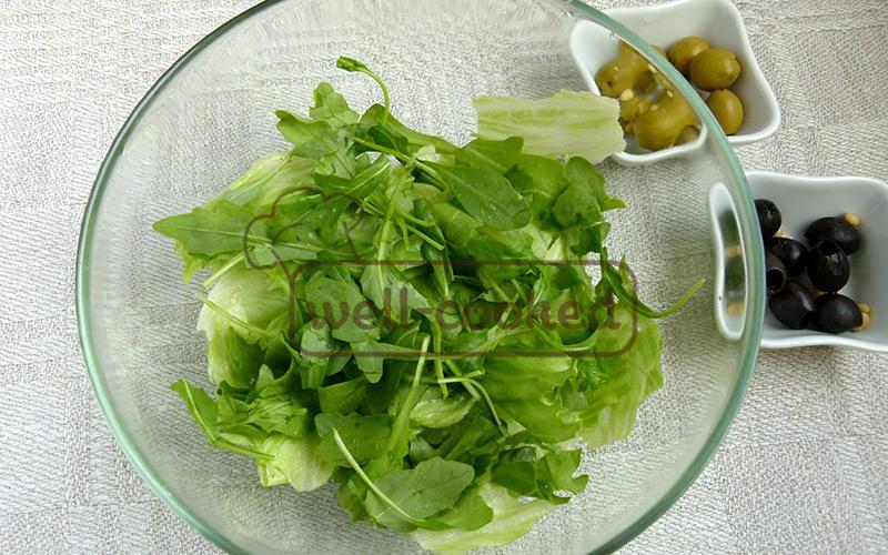 Листья салата и руккола
