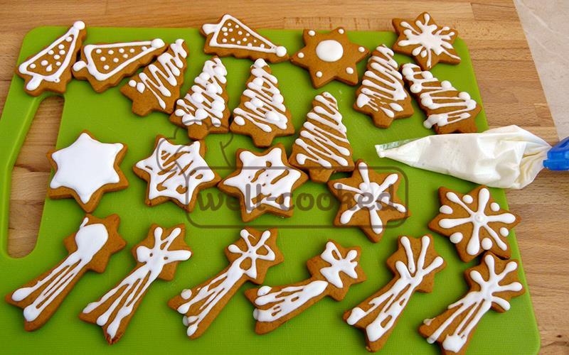 Украшаем имбирное печенье сахарной глазурью
