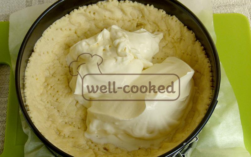 Выкладываем начинку для пирога
