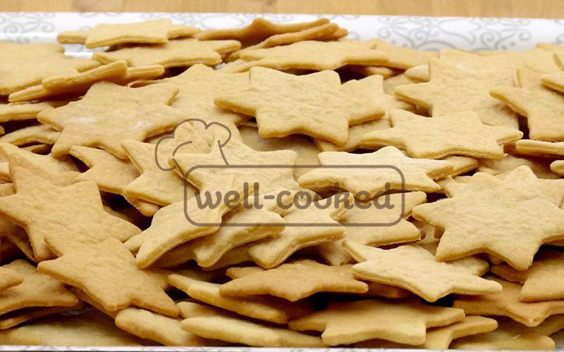 Готовое печенье, после выпечки в духовке