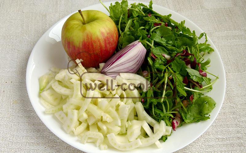 ингредиенты салата с яблоком и фенхелем