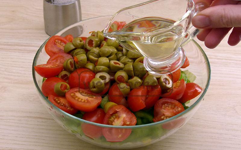 Заправляем растительным маслом