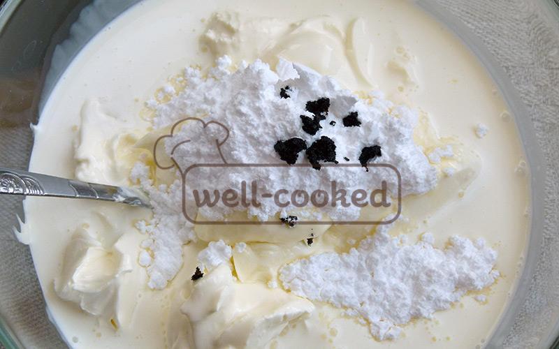 в миску кладем сыр, сливки, сахарную пудру и ваниль